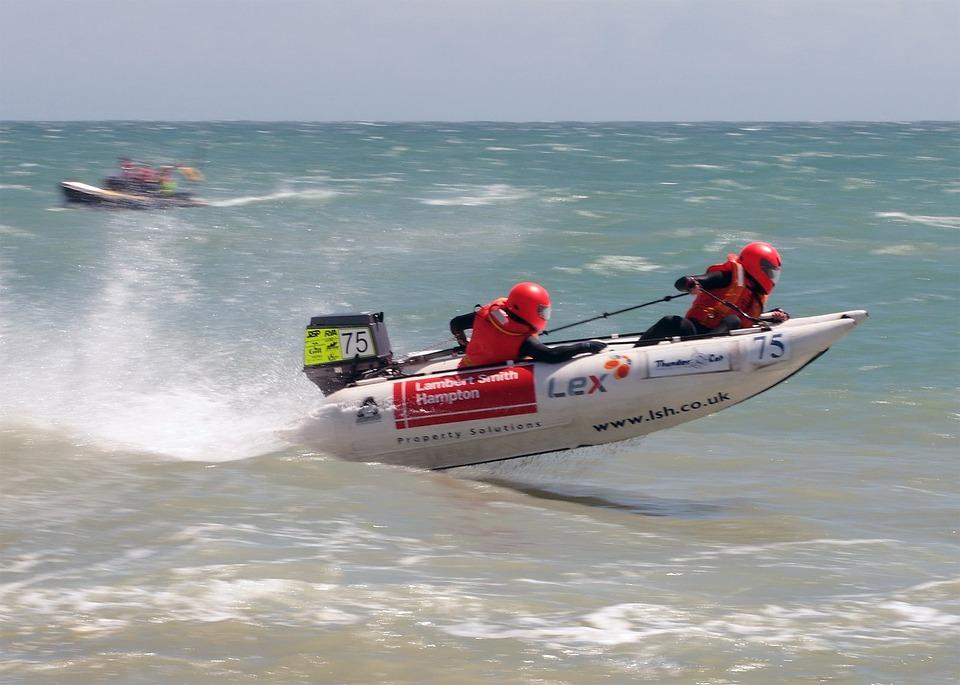 speedboat-3862_960_720